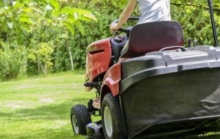 9 Best Commercial Zero-Turn Mowers - Get the Job Done in 2020