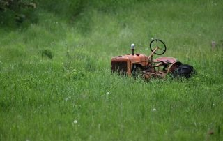 Zero Turn Mowers Vs Lawn Tractors: Which Gives The Best Lawn?