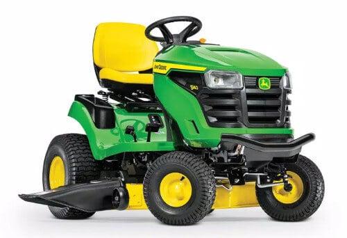 John Deere S140 Gas Hydrostatic Lawn Tractor